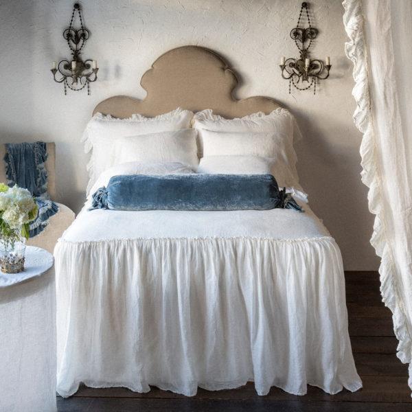 Bella Notte Bedspread In Linen Whisper